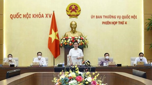 NA Standing Committee wraps up fourth session hinh anh 1