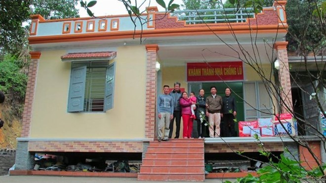 Project helps build flood resistant homes for the needy | Vietnam+