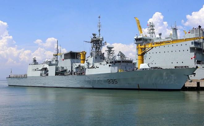 Royal Canadian Navy's ships visit Da Nang city | Vietnam+