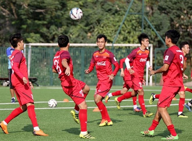 U22 players in a training session in HCM City to prepare for the regional  championships. (Source  foxsports.com.vn) 5db54e4c3