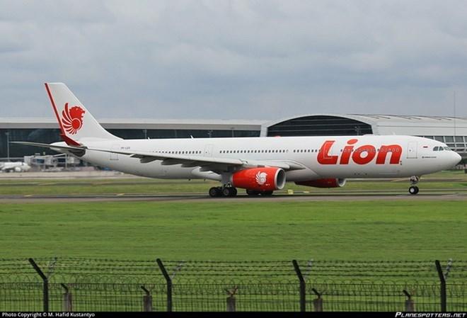 Indonesia Planes Collide On Runway No Casualties World Vietnam Vietnamplus
